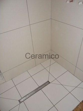 White wetroom