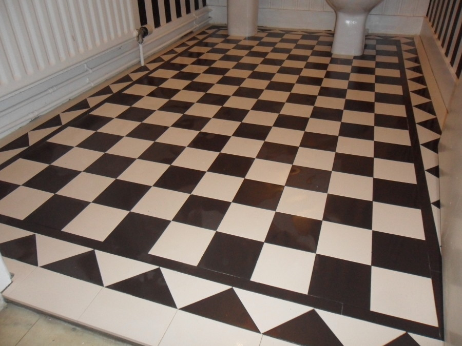 Merveilleux Black And White Bathroom Victorian Floor With Dogtooth Border