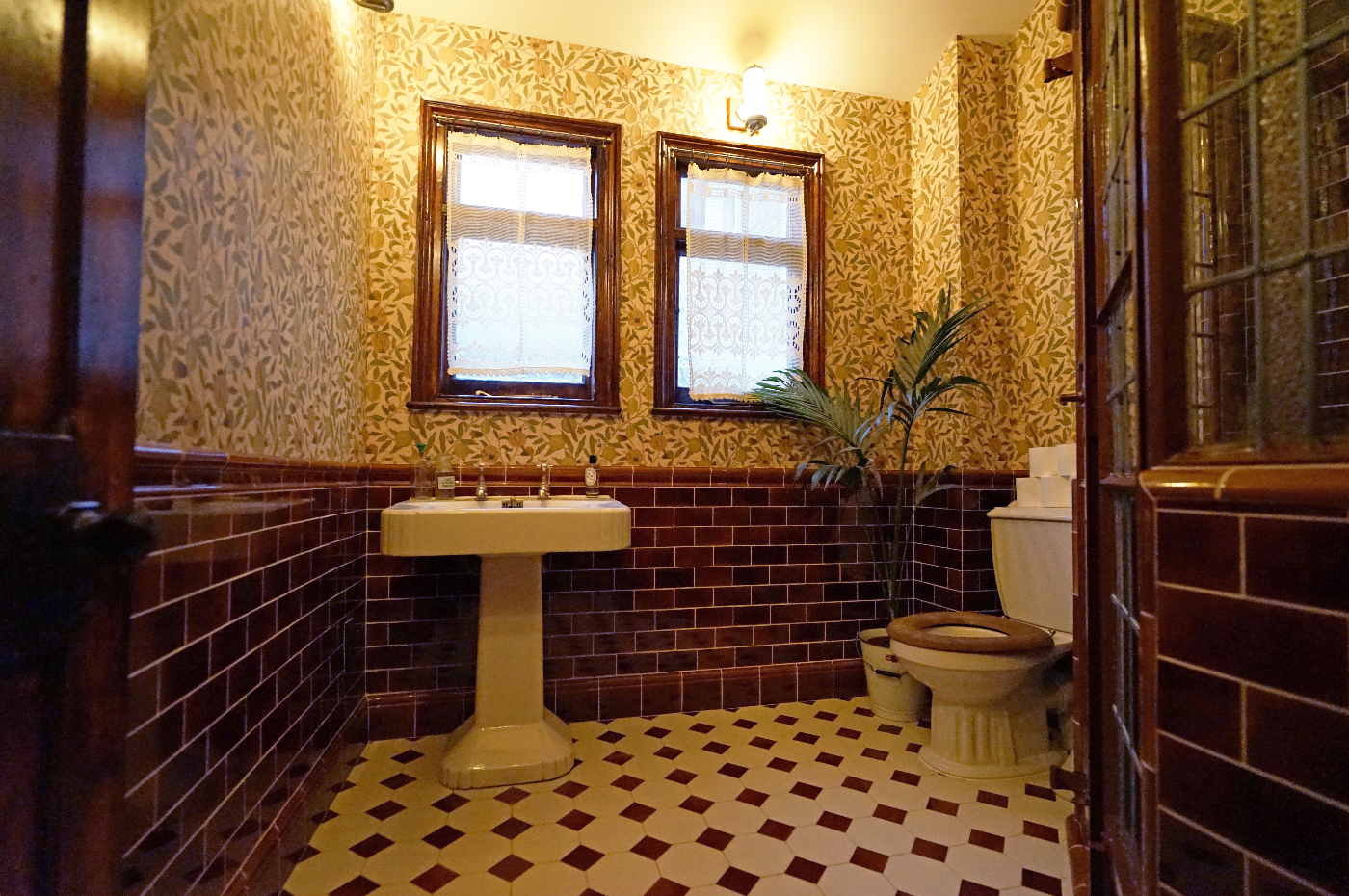 Victorian Ceramic Bathroom Tiles Tile Restoration Amp Cleaning North London